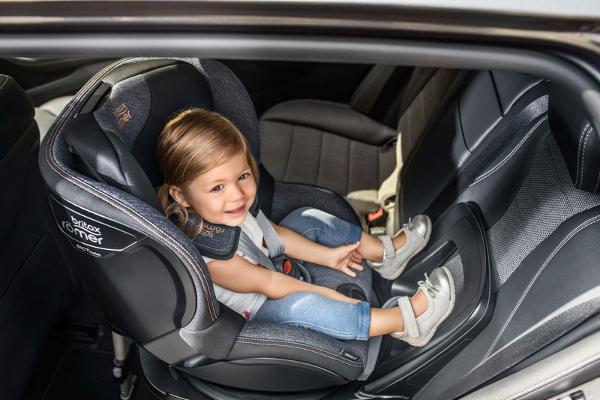 Fotelik samochodowy BRITAX ROMER DUALFIX i-SIZE RWF dla dzieci 0-18 kg 5